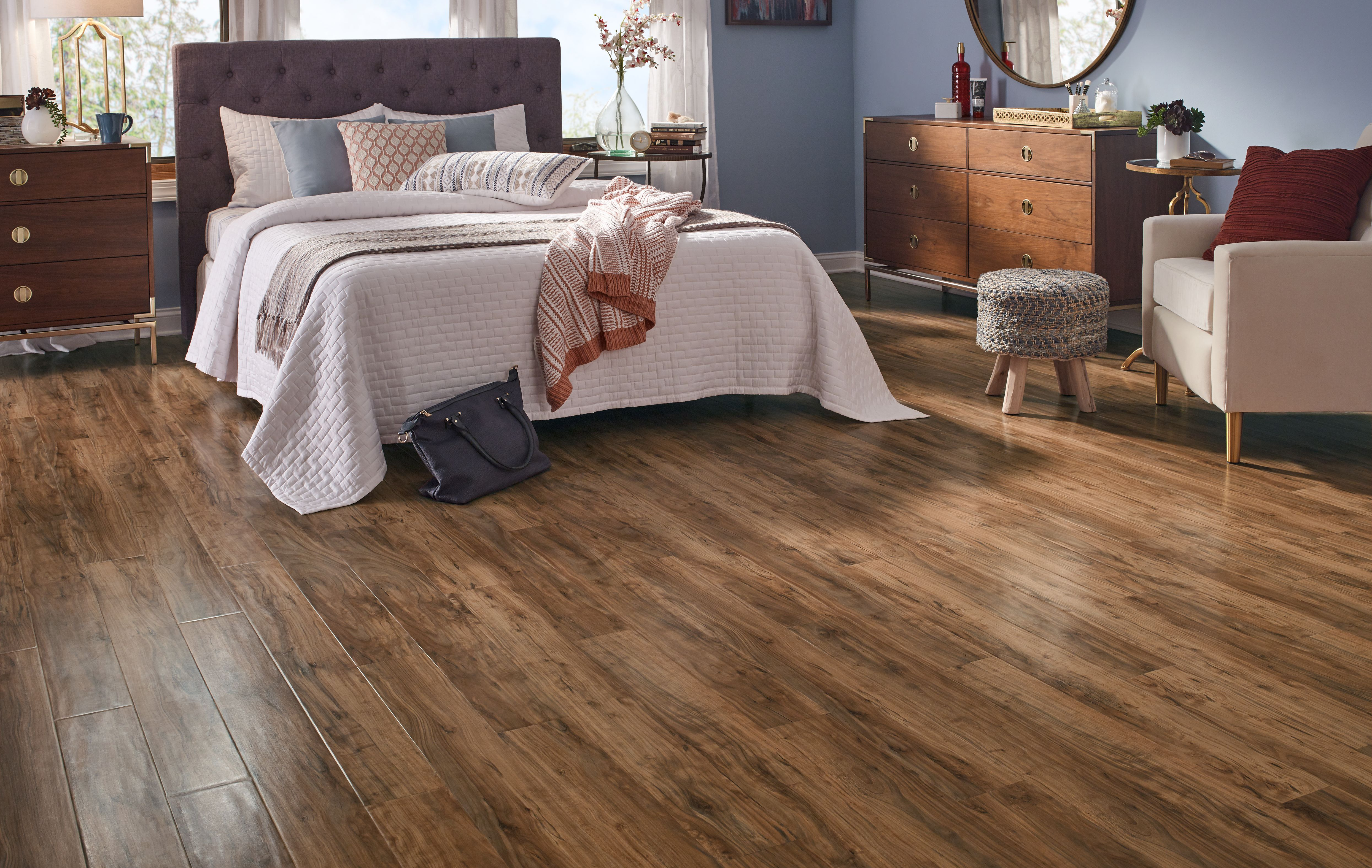 Applewood Pergo Outlast With Spillprotect Laminate Flooring