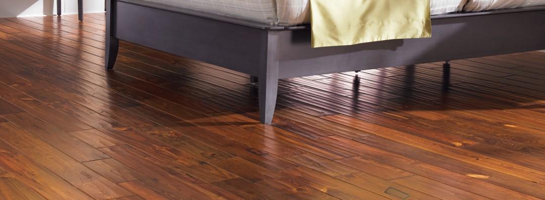 Cipriani antique heart pine hardwood flooring mohawk for Hardwood floors low humidity